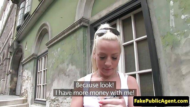 Pequeña adolescente usa todos los agujeros para satisfacer una videos conos peludos enorme polla