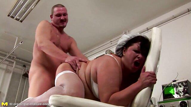 Striptease de follando con coños peludos lencería de Nina