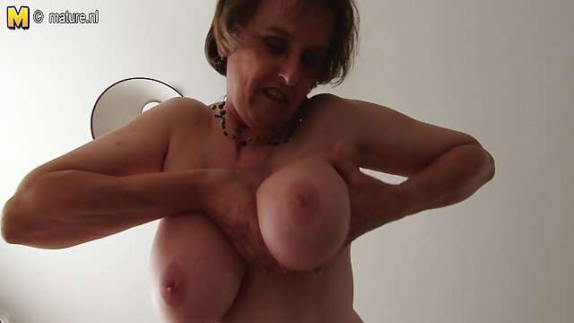 La señora jenny videos de coños virgenes y la señora betty