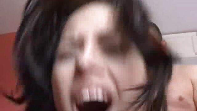 Lesbo coños peludos tube masajista seduciendo a un cliente magnífico
