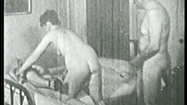 Trío tórrido por Sapphic Erotica - Andy viejas de chochos peludos Katy y Carie