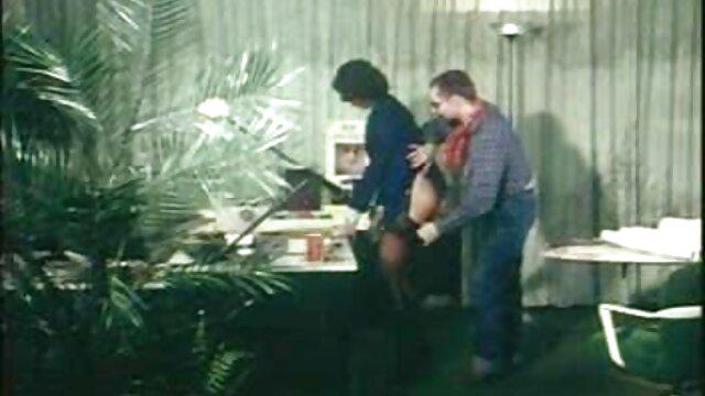 MILF Alexis Fawn eyacula duro para hijastro y coños peludos de gorditas novia