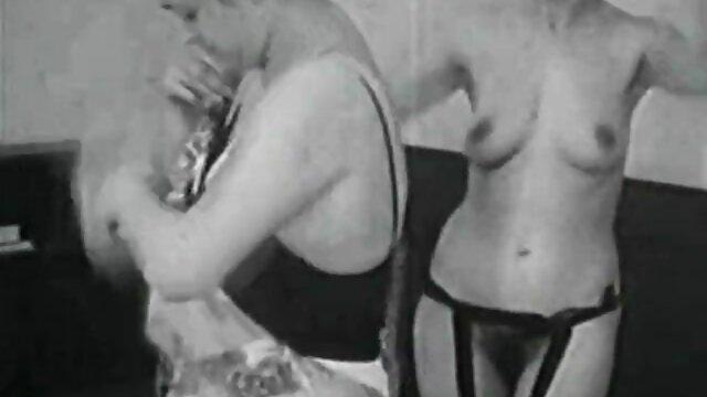 Brigitte Lahaie en Die coños jovenes y peludos Nichten der Frau Oberst (1980)