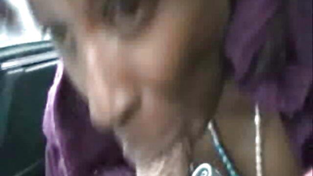 tetona con curvas asiático jugando con ella misma lesbianas follando coños