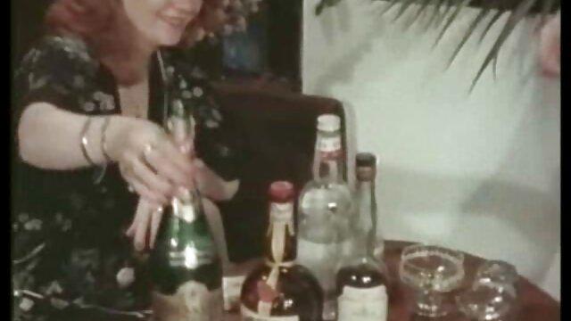 Brigitte Lahaie videos de los mejores coños en Une Femme speciale (1979)